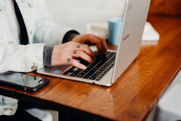 Porządkowanie i weryfikacja adresów e-mail